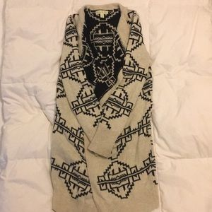 Urban Outfitters Sweater Size Small
